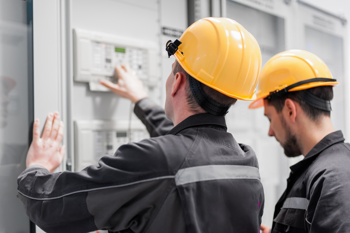 Installation Engineer – Job Description, Role, Salary and Tips for Getting  Started | BMR Solutions